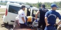 Otomobil Traktör İle Çarpıştı Açıklaması 1 Yaralı