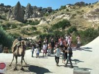GÖREME - Tuncelili Anne Ve Çocukları Kapadokya'yı Gezdi