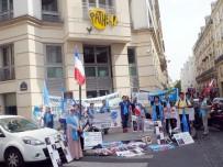 UYGUR TÜRKLERİ - Uygur Türkleri Paris'te Çin Konsolosluğu Karşısında Gösteri Yaptı