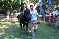 HAYVAN SEVERLER - Atatürk Parkı'nda Pony Şöleni