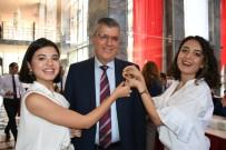 GAZI MUSTAFA KEMAL - Ayhan Barut'un Rozetini Kızları Taktı