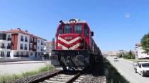 ŞIRINEVLER - Burdur'da Yük Treninin Çarptığı Yaya Ağır Yaralandı