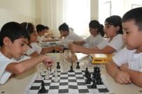 HITABET - Öğrenciler Yaz Kampında Hem Eğleniyor Hem Öğreniyor