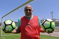 VOLKAN DEMİREL - 'Kova' Lakaplı Yaşar Duran'dan 32 Yıl Sonra 0-8'Lik İngiltere Maçı İtirafı Açıklaması 'Belki İlk Golde Biraz Hatam Var'