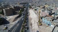 YOĞUN MESAİ - Şanlıurfa'da Karakoyun Köprülü Kavşağında Çalışmalar Sürüyor