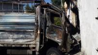 SUBAŞı - Alev Topuna Dönen Çalıntı Kamyonet Eve Daldı Açıklaması 4 Yaralı