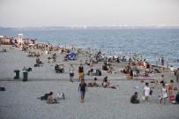 KONYAALTI SAHİLİ - Antalya'lılardan Konyaaltı Sahili'ne Yoğun İlgi