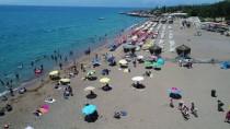 KURBAĞA - Antalya Plajlarında Sıcak Hava Yoğunluğu