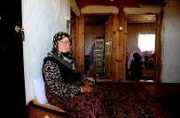 BAHAR TEMİZLİĞİ - Bahriye Teyze 50 Yıldır Dağ Köyünde Yalnız Yaşıyor