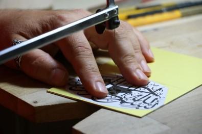 Hat Ve Naht Sanatını Birleştiren Adanalı Hezarfen, Sanatını Dünyaya Tanıtıyor
