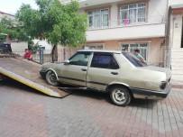 HURDA ARAÇ - İzmit'te Hurda Araçlar Toplanıyor