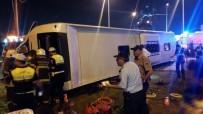 Kütahya'da Tırın Çarptığı Yolcu Otobüsü Devrildi Açıklaması 1 Ölü 13 Yaralı