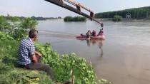Manzara İzlemeye Geldiği Otomobili Meriç Nehri'ne Düştü