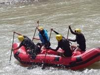 MUNZUR - Pertekli  Kadın Raftingciler Milli Takımda