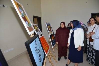 Vali Akın'ın Eşi Saliha Akın, Çocuk Destek Merkezinde Düzenlenen Yılsonu Sergisi Açılışına Katıldı