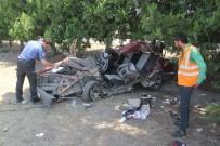 Adana'da Trafik Kazası 1'İ Bebek Açıklaması 2 Ölü
