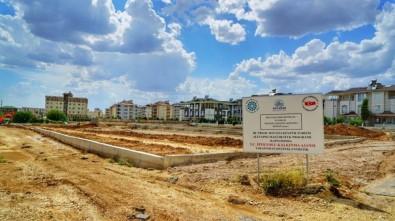 Adıyaman'da Yapımı Süren Lukianos Parkı'nda Çalışmalar Hız Kazandı