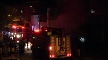 İTFAİYE ARACI - Bursa'da Kumaş Deposunda Yangın