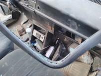 Denizli'de İki Otomobil Kafa Kafaya Çarpıştı Açıklaması 5 Yaralı