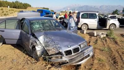 Erzincan'da İki Otomobil Çarpıştı Açıklaması 4 Yaralı