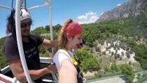 EVLİLİK TEKLİFİ - Kanyonda 'Bungee Jumping'li Sürpriz Evlilik Teklifi
