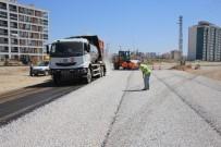 KALDIRIM ÇALIŞMASI - Karaman Belediyesi'nde Asfalt Çalışmaları Devam Ediyor
