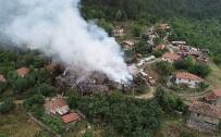 CUMHUR ÜNAL - Köy Yangınında Soğutma Çalışmaları Sürüyor