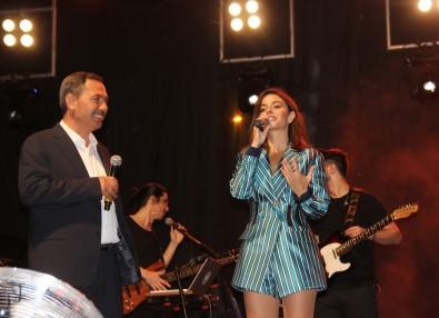 Pop Sanatçısı Simge Hastaneden Çıkıp Konser Verdi