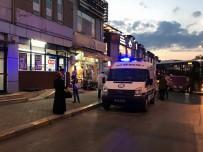 SİLAHLI SALDIRI - Sakarya'da Şehir Merkezinde Silahlı Saldırı Açıklaması 1 Yaralı