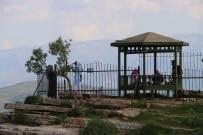 TİLLO - Siirt'te Sıcaklardan Bunalanlar Kale'ye Kaçtı