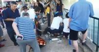 Yol Kenarında Bekleyen Baba Ve Oğluna Otomobil Çarptı Açıklaması 1 Ölü, 1 Yaralı