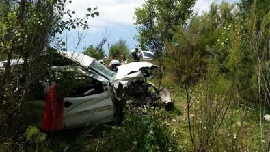 15 Kişinin Bindiği Hafif Ticari Araç Şarampole Yuvarlandı Açıklaması 2 Ölü, 13 Yaralı