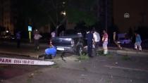 Adana'da Pikap Refüjdeki Ağaçlara Çarptı Açıklaması 1 Yaralı