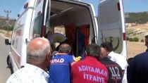 MEHMET ŞEKER - Adıyaman'da Yolcu Minibüsü Devrildi Açıklaması 1 Ölü, 1 Yaralı