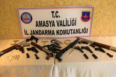 Amasya'da Jandarmadan 'Düğün Dernek' Operasyonu Açıklaması 14 Silaha El Konuldu, 9 Gözaltı