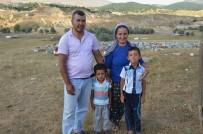 ŞENYAYLA - Arıcı Çift, Bal Üreterek Geçimlerini Sağlıyor
