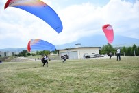 YENICEKÖY - Dostum'un Yamaç Paraşütü Kursu Devam Ediyor