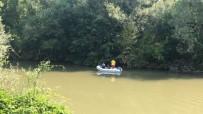 YUNUS BALIĞI - Irmaktan Denize Ulaştırılmak İstenen Yunus Balığı Sırra Kadem Bastı