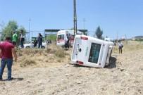 MEHMET ŞEKER - Kapıdan Düşerek Minibüsün Altında Kalan Yolcu Hayatını Kaybetti