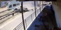 YOLCU TRENİ - Tren Otomobili Biçti Açıklaması 2 Ölü, 20 Yaralı