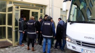 Uşak'ta FETÖ/PDY'den 5 Kişi Tutuklandı
