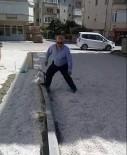 Belediyenin Yaptığı Kaldırımları Muhtar Ayağıyla Böyle Yıktı