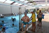 BEDENSEL ENGELLILER - Çukurova'da Yüzmeye Engel Yok