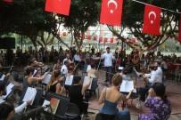 ORKESTRA ŞEFİ - Down Kafe'de Görkemli Yaz Konseri