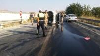 SERVİS ŞOFÖRÜ - Gaziantep'te İşçi Servisi Yan Yattı Açıklaması 17 Yaralı