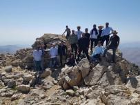 Kozluk'taki Eğitimciler Mereto Dağına Tırmandı