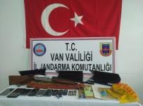 UZMAN JANDARMA - Van'da 16 Kişi Gözaltına Alındı