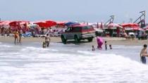 MEHMET İSPIROĞLU - Belediye Başkanından Megafonla 'Denize Girmeyin' Uyarısı