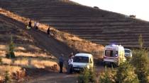 Elazığ'da Devrilen Ekskavatörün Operatörü Öldü