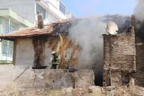 Evde Çıkan Yangında 5 Kişi Dumandan Etkilendi